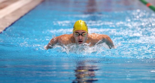 Genç milli yüzücüler olimpiyat hayaliyle kulaç atıyor